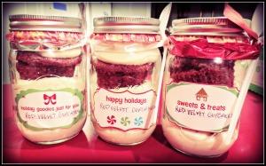3 Cupcakes in Jar