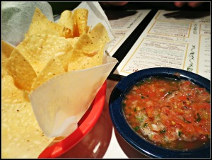 Chuy's chips and salsa