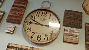 Breakfast table clock wall