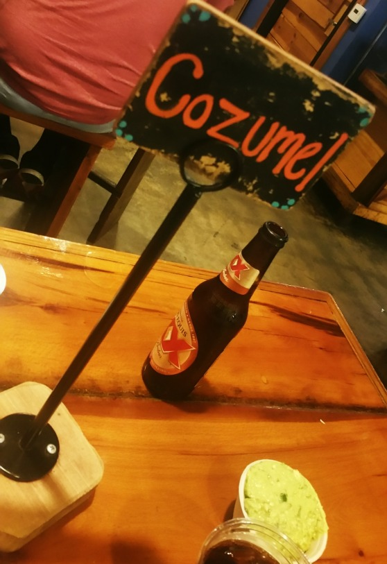 Mazunte table holder